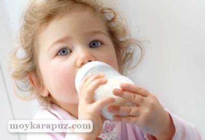 До какого возраста кормить ребенка молочной смесью
