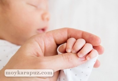 Советы, как и чем новорожденному стричь ногти