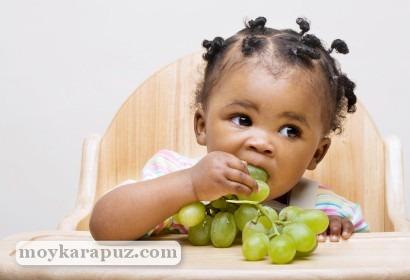 Виноград в рационе детей: когда можно давать