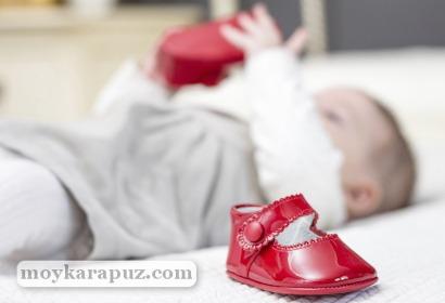 Правильная первая обувь