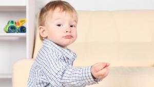 Признаки, причины, лечение аутизма у детей