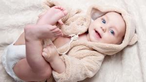Ребенку 9 месяцев, его развитие и питание
